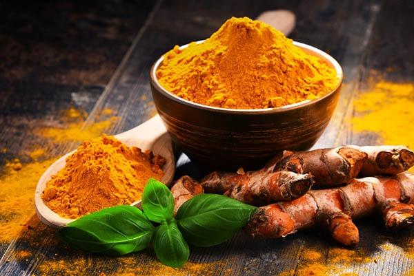 زردچوبه گیاهی موثر برای جلوگیری از پیری زودرس
